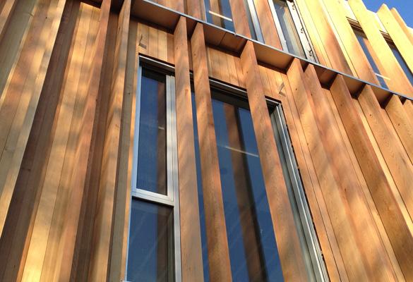 Bardage bois - Montignies sur Sambre Fixation de lattes de bois en isolation par l'extérieur