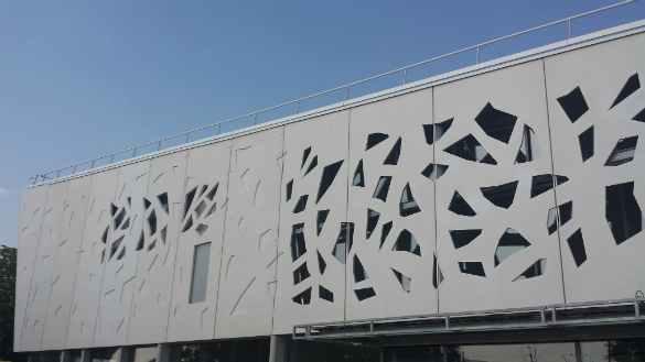 Public Library – Méry sur oise GRC Panels fixings